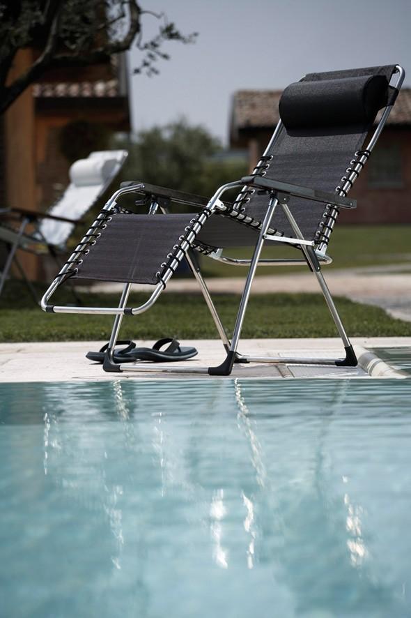jan kurtz movida relax liege mit armlehnen alu schwarz oder wei 67 x 118 x 67 garten. Black Bedroom Furniture Sets. Home Design Ideas