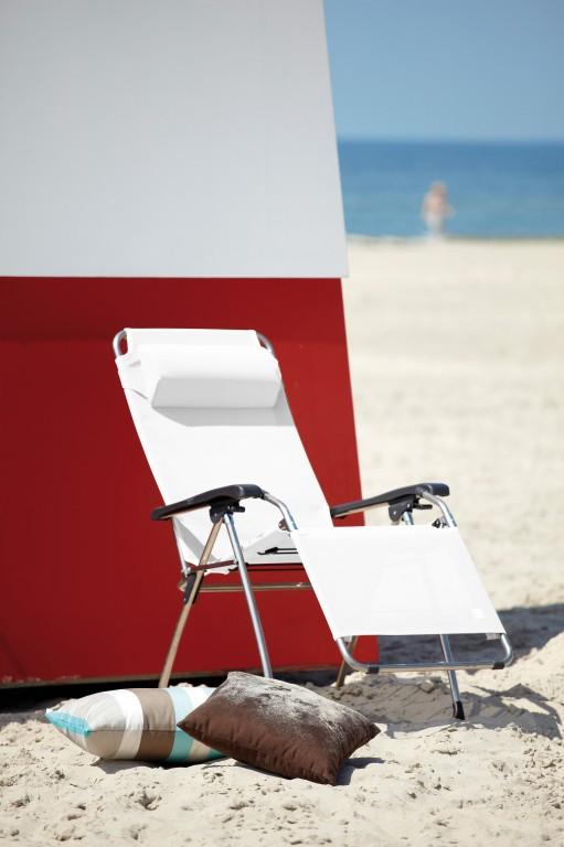 jan kurtz amida relax liege mit armlehnen in alu wei aqua taupe oder dunkelblau 67 x 118 x. Black Bedroom Furniture Sets. Home Design Ideas