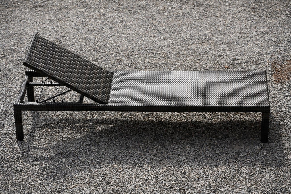 jan kurtz casual liege sonnenliege in alu braun wei. Black Bedroom Furniture Sets. Home Design Ideas