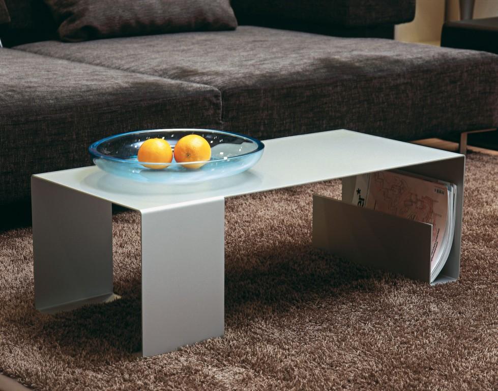 jan kurtz sofatisch couchtisch mit zeitunsablage. Black Bedroom Furniture Sets. Home Design Ideas